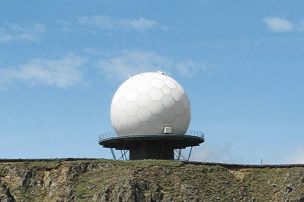 Roadside 16-05-10 National Air Traffic Services Radar at Titterstone Clee